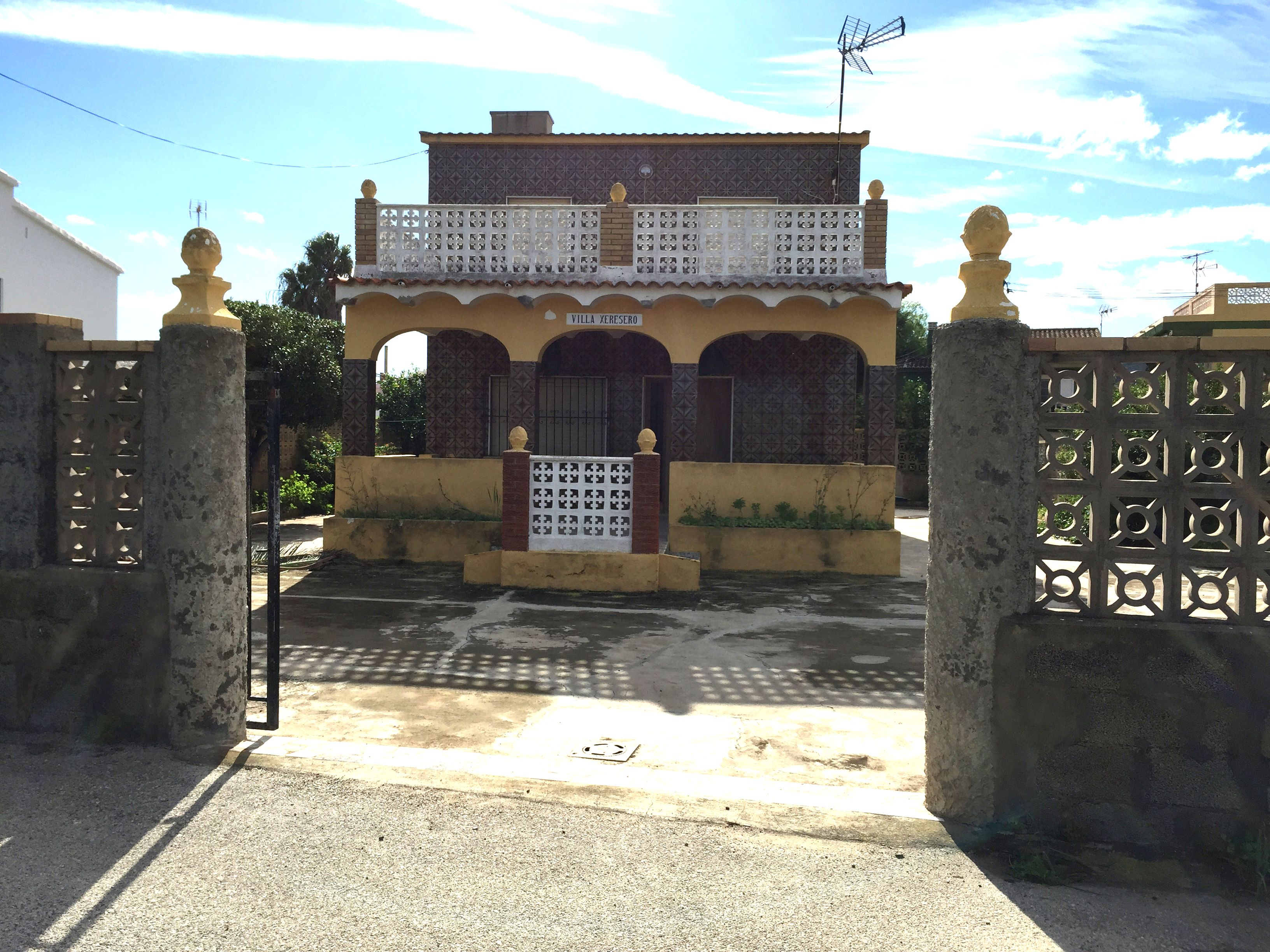 Inmobiliaria gestitur chalet con parcela en dossel dosel 4759 chalet con parcela en dossel - Venta apartamentos playa cullera ...