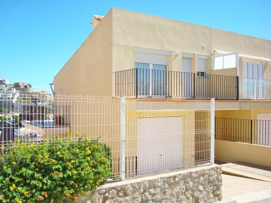 Inmobiliaria gestitur adosado en cap blanc cap blanc 4752 registro inmobiliaria cullera - Venta apartamentos playa cullera ...