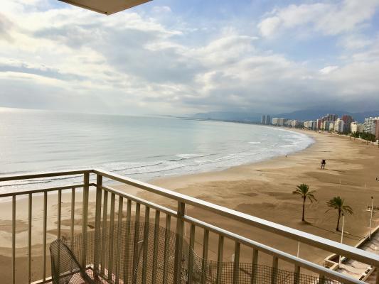 Inmobiliaria Cullera Playa Gestitur - Apartamento en Primera línea de Playa. #5593 - En Venta