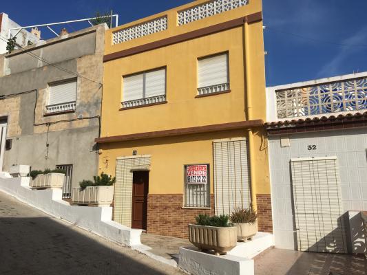 Inmobiliaria Cullera Playa Gestitur - Casa en la zona Pueblo. #5668 - Pueblo - Casa - En Venta