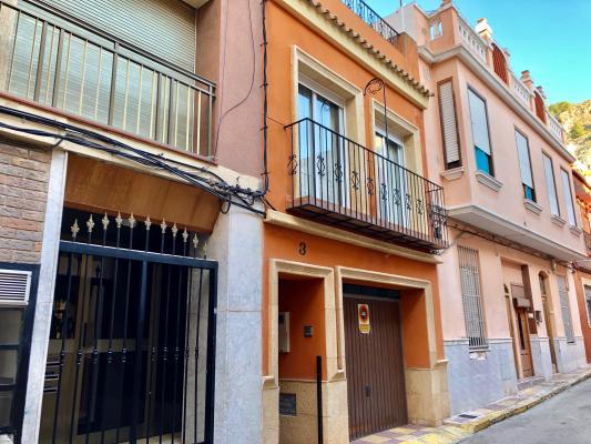 Inmobiliaria Cullera Playa Gestitur - Casa en el centro del Pueblo. #5756 - En Venta