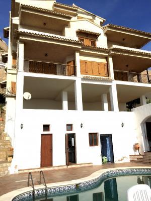 Inmobiliaria Cullera Playa Gestitur - Chalet Independiente en Primera línea de Playa. #4830 - En Venta