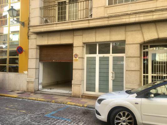 Inmobiliaria Cullera Playa Gestitur - Local Comercial en el centro del Pueblo. #5501 - En Venta