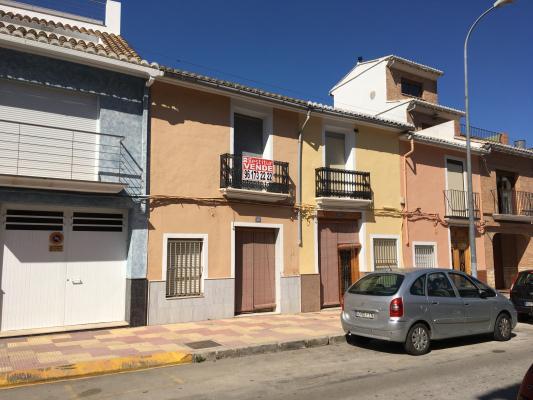 Inmobiliaria Cullera Playa Gestitur - Casa en Calle Valencia. #5513 - Raval - Casa - En Venta
