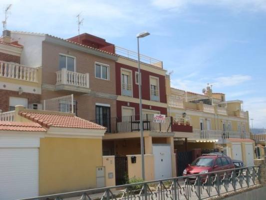 Inmobiliaria Cullera Playa Gestitur - Adosado en el Bulevar del Xuquer.  #3514 - En Venta