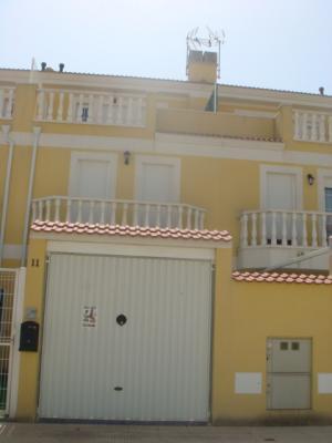 Inmobiliaria Cullera Playa Gestitur - Chalet Adosado en Bulevar del Xuquer.  #3791 - En Venta