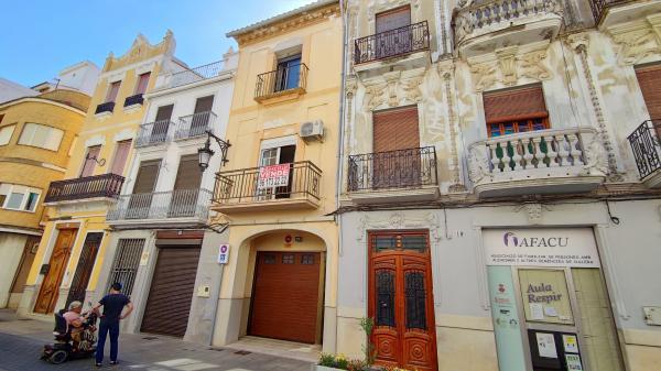Inmobiliaria Cullera Playa Gestitur - Casa en el centro del Pueblo. #5992 - En Venta
