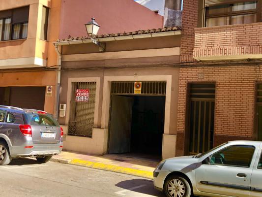 Inmobiliaria Cullera Playa Gestitur - Casa en Calle Cervantes. #5858 - En Venta