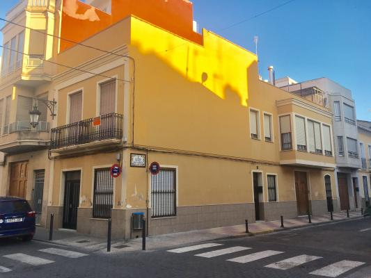 Inmobiliaria Cullera Playa Gestitur - Casa en el centro del Pueblo. #5803 - En Venta