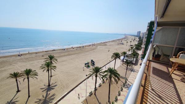 Inmobiliaria Cullera Playa Gestitur - Apartamento en Primera línea de Playa. #5927 - En Venta