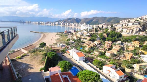 Inmobiliaria Cullera Playa Gestitur - Adosado en Faro del Mediterráneo.  #6028 - En Venta