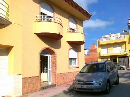 Inmobiliaria Cullera Playa Gestitur - Casa en Favara de 2 plantas. #3382 - En Venta