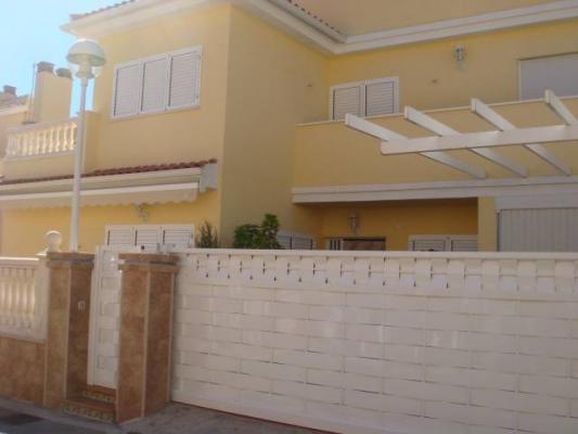 Inmobiliaria Cullera Playa Gestitur - Chalet Adosado en Urbanización Eden Santa Marta. #3602 - En Venta